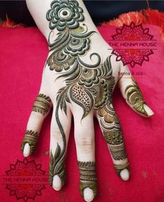 this is Most Best Latest Backhand Floral Mehndi Design Arabic Bridal Mehndi Designs, Modern Henna Designs, Rose Mehndi Designs, Khafif Mehndi Design, Henna Art Designs, Mehndi Designs For Girls, Dulhan Mehndi Designs, Mehndi Design Pictures, Mehndi Designs For Fingers