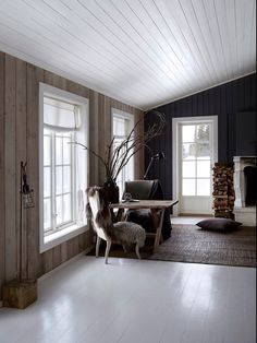 Norwegian cabin with wood and concrete elements. Love these large windows Nordic Interior Design, Country Interior, Scandinavian Cabin, Norwegian House, Modern Log Cabins, Summer Cabins, Cabin Chic, Cabin Interiors, Cabin Homes