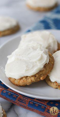 Frosted Carrot Cake Cookies / fall baking #FallCookieWeek