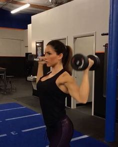 "7,551 Likes, 117 Comments - Alexia Clark (@alexia_clark) on Instagram: ""Upper body blitz 1. 15 reps 2. 15 each 3. 10 each 4. 60 seconds Minimal rest! 3 rounds!…"""