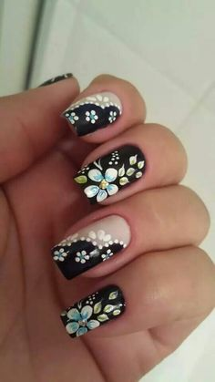 Flower nail designs are perfect for Teen Girls. There are many choices of flower nail designs for you. Flower Nail Designs, Simple Nail Art Designs, Flower Nail Art, Easy Nail Art, Cute Nails, Pretty Nails, My Nails, Spring Nails, Summer Nails