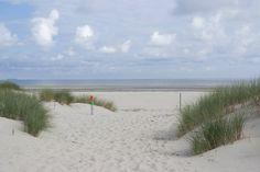 Dünen und weißer Sandstrand auf Baltrum! Nordseeinsel | Wattenmeer #reisenmitkindern #vamosreisen