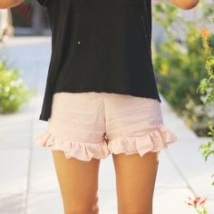 DIY easy ruffle shorts inspired by the ones at Brandy Melville. They're great to lounge around it!