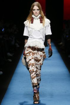 Victorian feminine x army camouflage. Dsquared2 Fall 2016 Ready-to-Wear Fashion Show - Roos Abels