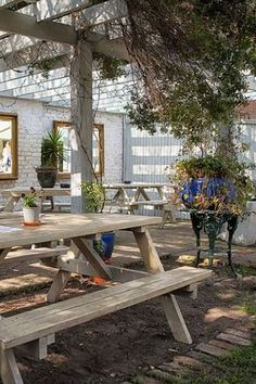 The Hampshire Hog, West London Outdoor Tables, Outdoor Spaces, Outdoor Decor, London Lifestyle, Bars And Clubs, Beer Garden, West London, Best Beer