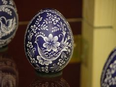 Hungarian Easter Egg - it also explains the Hungarian tradition of locsolas on Easter Monday.