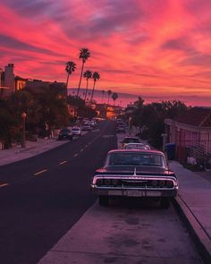 Purple sunset, Los Angeles, California photo on Sunsurfer – Galaxy Art Aesthetic Pastel Wallpaper, Aesthetic Backgrounds, Aesthetic Wallpapers, Aesthetic Stickers, Sky Sunset, Purple Sunset, Summer Sunset, Malibu Sunset, Sunset Hair