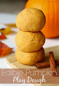 Edible Pumpkin Play Dough DIY for the Perfect Fall Play Date | Make this allergy friendly DIY pumpkin play dough + fall play date ideas and inspiration #WaterWipes #IC (AD)