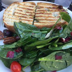 #Healthy #yummy #lunch at @urth_cafe   #panini #salad #salads #paninis #foodporn #food #foodlover #healthychoices #healthyfood #vegetarian #yummylunch #yum #yummyfood #yummylicious #yummybites #spinach #spinachsalad #nofilter #visualsoflife #hunterphoenix