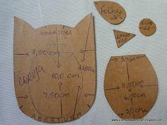 CHAVEIROS ESCONDE CHAVES     FIZ ALGUNS CHAVEIROS ESCONDE CHAVES,A PEDIDO DAS AMIGAS DA EDUK VOU POSTAR APENAS OS MOLDES ,ESTÃO BE... Cat Crafts, Diy And Crafts, Arts And Crafts, Key Bag, Key Covers, Deco Mesh, Bookmarks, Paper Shopping Bag, Japanese
