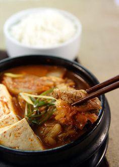 kimchi-jjigae - perfect for a rainy morning like this.