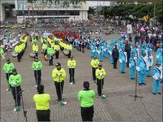 Bandas músicomarciales llenaron de colorido y música la tarde del domingo