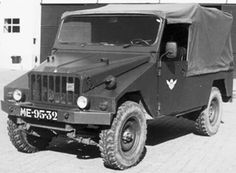 Old Commercials, Spain And Portugal, Commercial Vehicle, Car Brands, Amazing Cars, Portuguese, Military Vehicles, Cars And Motorcycles, Cool Cars