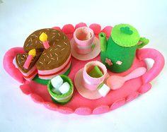 Felt play food-DIY Felt Tea time(tray,tea top,cups,chocolate cake)Kit via Etsy Food Crafts, Diy Food, Food Ideas, Craft Ideas, Cake Kit, Felt Play Food, Food Patterns, Sewing Patterns, Felt Diy