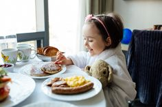 Staycation: Mommy Daughter 24 Hours in Toronto with AMEX!