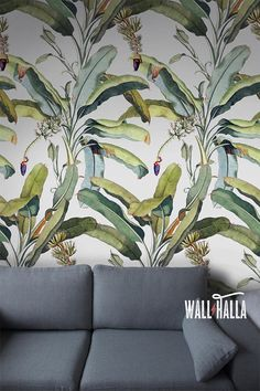 Turn your walls into eyecatchers with this self adhesive wallpaper! This wallpaper features a banana tree leaf print, bound to stand out on any wall. The vintage green colors are featured on a grey background and look stunning. The self adhesive wallpaper has a vintage flavor and makes