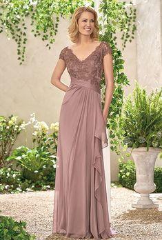 Jade Tiffany Chiffon Lace with Stretch lining dress with a gathered bodice.  Gathering along 7f4abef9c520