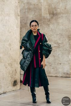 34 super Ideas for fashion street style photography jackets Street Style Trends, New Street Style, Street Chic, Fashion Week, Love Fashion, Style Fashion, Fashion Trends, Fashion 2018, Trending Fashion