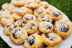 Jitušky kutnohorské koláčky - My site Czech Recipes, Ethnic Recipes, Desert Recipes, Quick Easy Meals, Sweet Recipes, Biscuits, Sweet Tooth, Food And Drink, Yummy Food