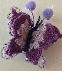 Viver com Fibromialgia...Eu sei! Este é um pequeno grupo que se reúne com o objectivo de sensibilizar as pessoas ao nosso redor...para os portadores de fibromialgia! Temos em comum a paixão pelo crochet...e vamos contagiar tudo à nossa volta com as cores lilás e roxo...somos o Gang do AMOR! Esta é uma borboleta ECOESPECIAL, e poderá ser colocada no frigorífico da sua casa! Butterfly, Fiber, People, Colors, Home, Fibromyalgia, Lets Go