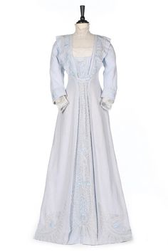 Summer dress. 1905-10From Kerry Taylor Auctions