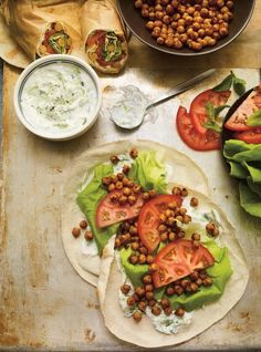 Chickpea pita sandwiches рецепт в 2019 г. Chickpea Recipes, Tofu Recipes, Vegetarian Recipes, Cooking Recipes, Healthy Recipes, Healthy Dinners, Baked Vegetables, Veggies, Chickpea Sandwich