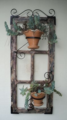 On A Budget DIY Projects Pallet Garden Design Ideas,indoor jungle,Small Spaces Garden ideas,Plant sh Old Window Decor, Old Door Decor, Diy Garden Projects, Diy Pallet Projects, Garden Ideas, Pallet Ideas, House Projects, Old Window Projects, Decoration Plante