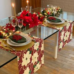 In this DIY tutorial, we will show you how to make Christmas decorations for your home. Christmas Table Settings, Christmas Tablescapes, Christmas Table Decorations, Light Decorations, Wall Shelves Design, Diy Wall Shelves, Diy Wall Decor, Home Decor Wall Art, Instagram