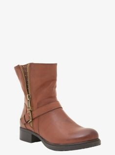 I have this but don't know what to wear with it! Been searching on pinterest for fashion that'll go with my plus size body. Any help??? #TorridFashion #Boots