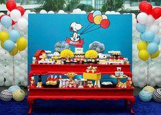 """489 Likes, 24 Comments - Kikids Party by Kiki Pupo (@kikidsparty) on Instagram: """"Uma graça essa festa Snoopy, fofa e colorida! Por @kiaravieiramartinsdecor - Foto @kim_parra_ …"""""""