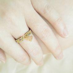 Tassel Ring Bohemian Ring Boho Chic Ring Beaded by JeannieRichard Bohemian Rings, Bohemian Jewelry, Beaded Rings, Beaded Jewelry, Boho Chic, Diy Rings, Dainty Ring, Bracelet Patterns, Seed Beads