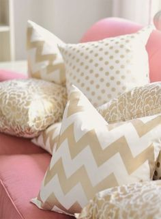 gold pillows and pink couch. this belongs in my room! Bedroom Design Inspiration, Decoration Inspiration, Room Inspiration, Decor Ideas, Pillow Inspiration, Design Ideas, Girl Room, Girls Bedroom, Bedroom Decor