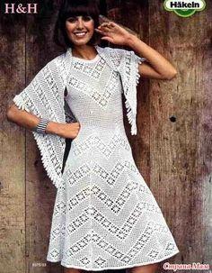 Здравствуйте, мои дорогие!!! Хочу вам показать простое белое платьице связанное филейкой. Фото на хозяйке и с поясочком пока нет, а похвастаться уж очень хочется... Связано из АННЫ 16.