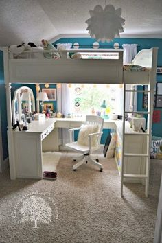 Teen+bedroom.+Love+the+loft+with+desk+nook+underneath...love+to+do+something+like+this+for+the+boy.jpg 400×600 pixels if only this was my room