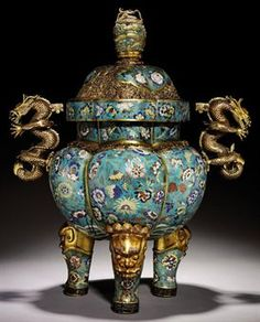 A LARGE CLOISONNÉ ENAMEL AND GILT-BRONZE TRIPOD CENSER AND COVER