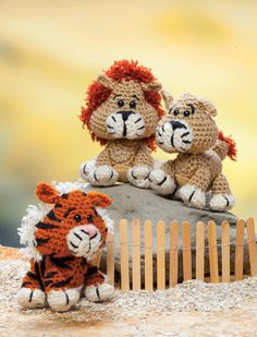 """Lion and Tiger patterns from the book """"Crochet a Zoo"""""""
