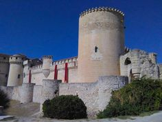 Castillo de Cuelar, Segovia Monuments, Walled City, Chateaus, Fortification, Medieval Castle, Armors, The Places Youll Go, Palace, Travelling