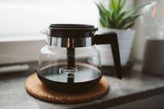 Moccamaster / www. Coffee Maker, Kitchen Appliances, Drinks, Velvet, Coffee Maker Machine, Diy Kitchen Appliances, Drinking, Coffee Percolator, Home Appliances