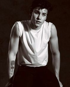 #shawnmendes he looks like a greaser it's great ❤️