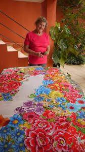 Resultado de imagem para Tetê Brandolim quadros Hand Hooked Rugs, Sewing Appliques, Textile Artists, Felt Art, Creative Decor, Rug Hooking, Fabric Art, Cross Stitching, Embroidery Stitches