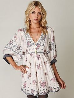modernchiniserie dress   Free People tunic   Fashion: I'd wear this!!!