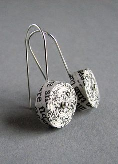 recycled paper earrings | @blureco