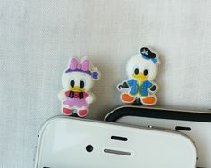 iPod  iPhone  Samsung  HTC  Disney Donald and Daisy by POPStation, $15.00