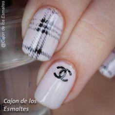Diseño uñas Chanel  Chanel nail art