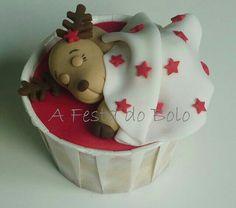 Sleeping reindeer cupcakes