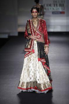 Aaina - Bridal Beauty and Style: Designer Bride: Anju Modi at Bridal Couture Week 2012 Indian Bridal Outfits, Indian Designer Outfits, Designer Dresses, Tunic Designs, Blouse Neck Designs, Lehenga Designs, Gharara Designs, Indian Gowns Dresses, Saree Trends