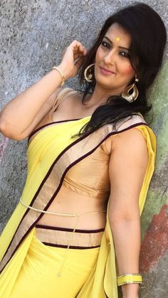 Happy Birthday to Falguni Rajani (actress known for Television Series Bhabi Ji Ghar Par Hai) Indian Actress Hot Pics, Most Beautiful Indian Actress, Indian Actresses, Beautiful Curves, Beautiful Saree, Kim Kardashian Show, Desi Bhabi, Image Hd, Indian Beauty Saree