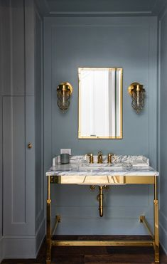 Stunning blue powder bath with water works pedestal sink. Kirsten Maltas Interio… Stunning blue powder bath with water works pedestal sink. This is great for those oMetal Bathroom Vanity (MiPattern wallpaper in powd Bad Inspiration, Decoration Inspiration, Decoration Design, Decor Ideas, Beautiful Bathrooms, Modern Bathroom, Small Bathroom, Bathroom Marble, Brown Bathroom
