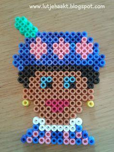 zwarte piet - done! Perler Bead Designs, Kids Party Treats, Diy For Kids, Crafts For Kids, Diy And Crafts, Arts And Crafts, Saint Nicolas, Iron Beads, C2c Crochet