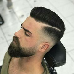Short Hair Beard Fade - Trendy Short Hair with Beards - Cool Men's Short Haircut and Hairstyles with Beard Styles - Short, Long, Full, Thick Beards Pairing short hair and a beard can be a trendy style. In fact, men's short haircuts with beard Short Hair With Beard, Thin Hair Cuts, Thick Beard, Beard Fade, Short Hairstyles With Beard, Beard Cuts, Beard Look, Men Beard, Straight Hairstyles